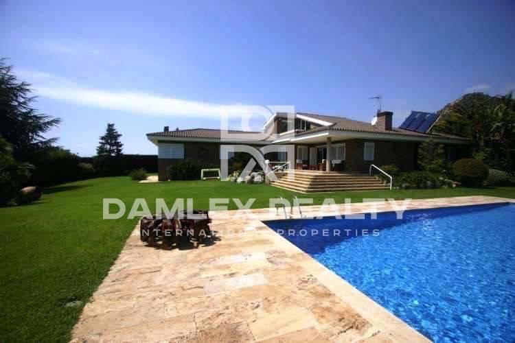 Haus zu verkaufen in Cabrils, 4 schlafzimmer, Grundstücksgrösse 1707 m2
