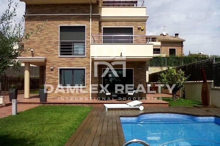 Haus zu verkaufen in Vilassar de Dalt, 5 schlafzimmer, Grundstücksgrösse 600 m2