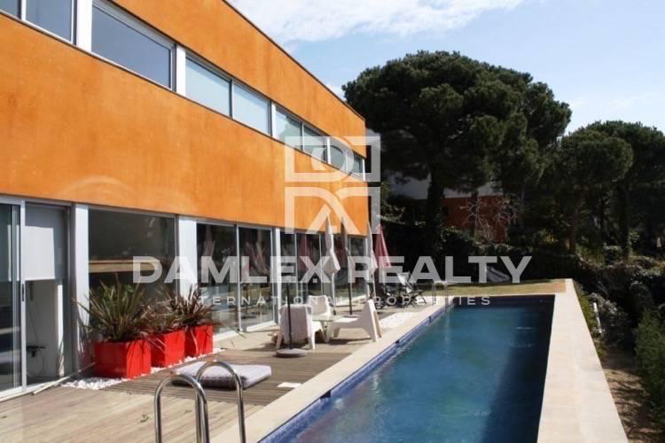 Haus zu verkaufen in Cabrils, 3 schlafzimmer, Grundstücksgrösse 833 m2