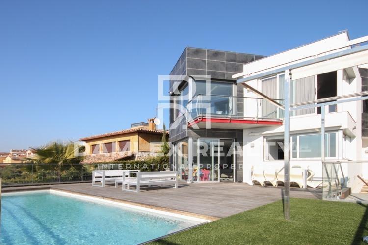 Haus zu verkaufen in Blanes, 4 schlafzimmer, Grundstücksgrösse 1000 m2