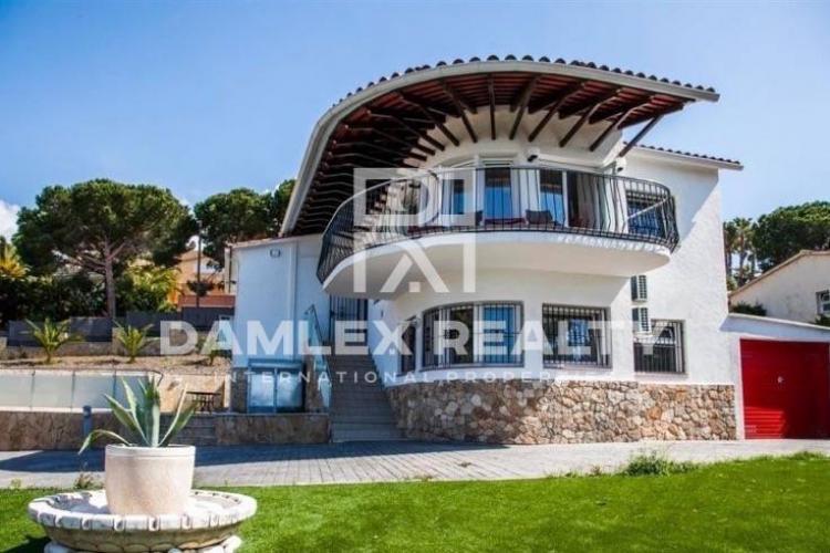 Haus zu verkaufen in Lloret de Mar, 4 schlafzimmer, Grundstücksgrösse 1041 m2