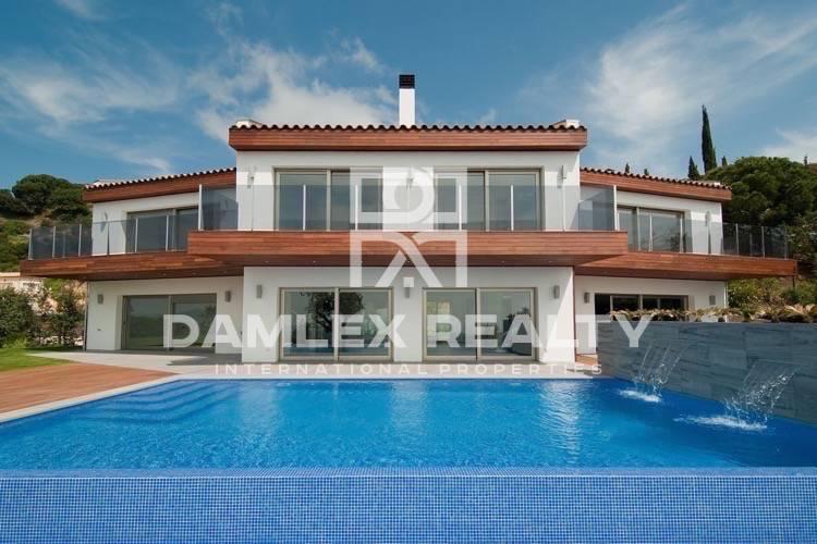 """Haus zu verkaufen in Platja d""""Aro, 5 schlafzimmer, Grundstücksgrösse 1900 m2"""