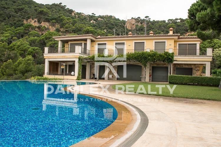 Haus zu verkaufen in Sant Feliu de Guixols, 11 schlafzimmer, Grundstücksgrösse 2500 m2
