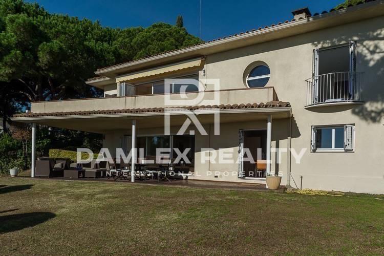 Haus zu verkaufen in Sant Andreu de Llavaneres, 5 schlafzimmer, Grundstücksgrösse 2000 m2
