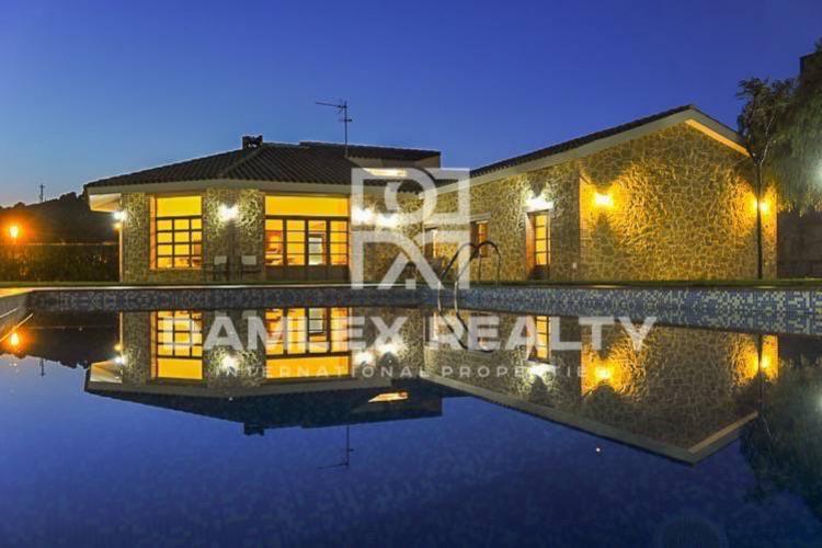 Haus zu verkaufen in Sant Andreu de Llavaneres, 4 schlafzimmer, Grundstücksgrösse 2000 m2