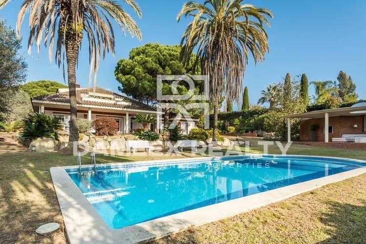 Haus zu verkaufen in Sant Andreu de Llavaneres, 7 schlafzimmer, Grundstücksgrösse 6000 m2