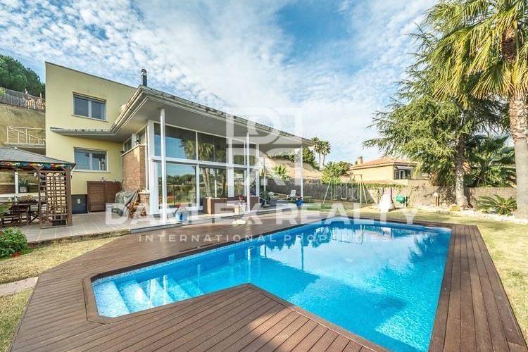 Haus zu verkaufen in Sant Andreu de Llavaneres, 4 schlafzimmer, Grundstücksgrösse 1600 m2