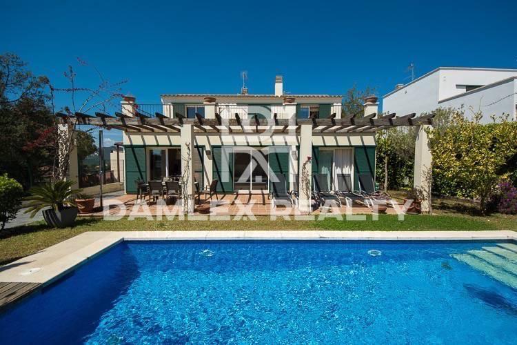 Haus zu verkaufen in Sant Feliu de Guixols, 4 schlafzimmer, Grundstücksgrösse 430 m2