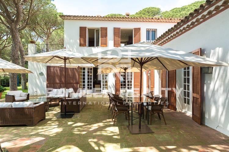 Haus zu verkaufen in Premia de Dalt, 5 schlafzimmer, Grundstücksgrösse 4500 m2