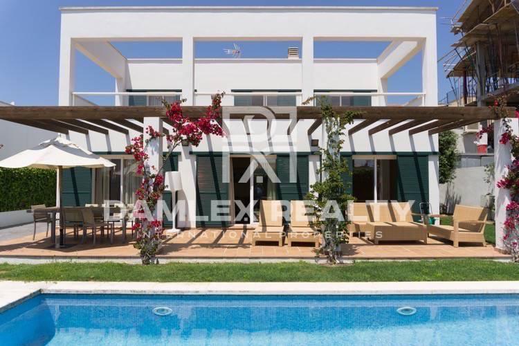 Haus zu verkaufen in Sant Feliu de Guixols, 4 schlafzimmer, Grundstücksgrösse 428 m2