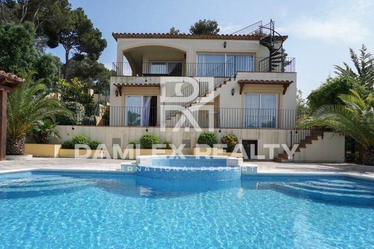 Haus zu verkaufen in Calonge, 4 schlafzimmer, Grundstücksgrösse 1015 m2