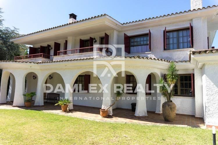 Haus zu verkaufen in Alella, 6 schlafzimmer, Grundstücksgrösse 1260 m2