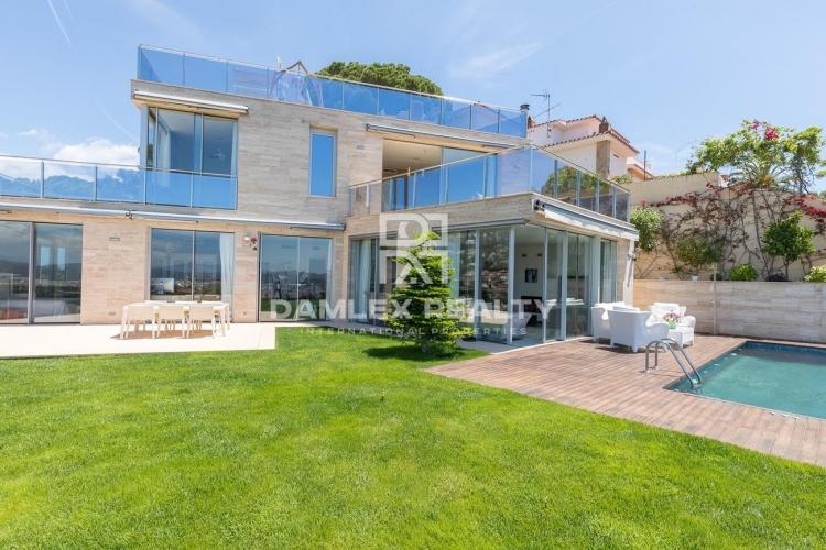 Haus zu verkaufen in Lloret de Mar, 5 schlafzimmer, Grundstücksgrösse 765 m2