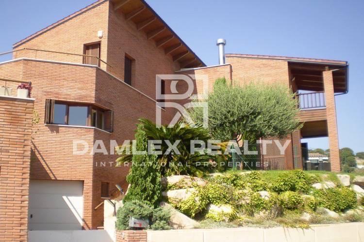 Haus zu verkaufen in Alella, 4 schlafzimmer, Grundstücksgrösse 700 m2