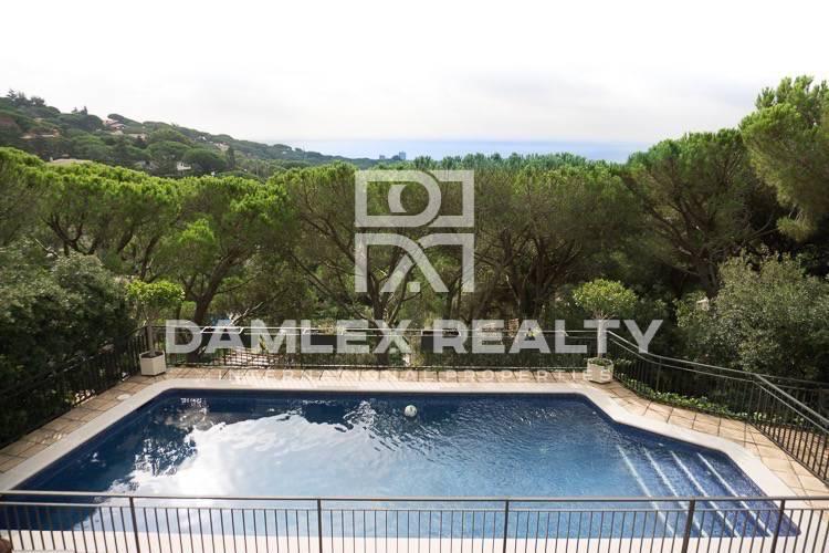 Haus zu verkaufen in Cabrils, 6 schlafzimmer, Grundstücksgrösse 2421 m2