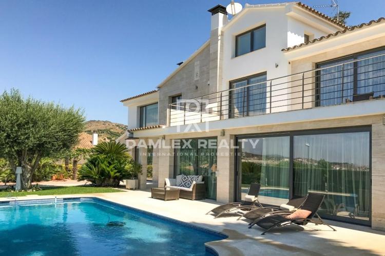 Haus zu verkaufen in Alella, 5 schlafzimmer, Grundstücksgrösse 1100 m2