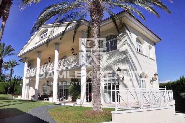 Haus zu verkaufen in Alella, 5 schlafzimmer, Grundstücksgrösse 1300 m2
