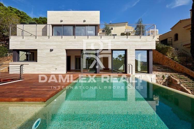 Haus zu verkaufen in Lloret de Mar, 4 schlafzimmer, Grundstücksgrösse 650 m2