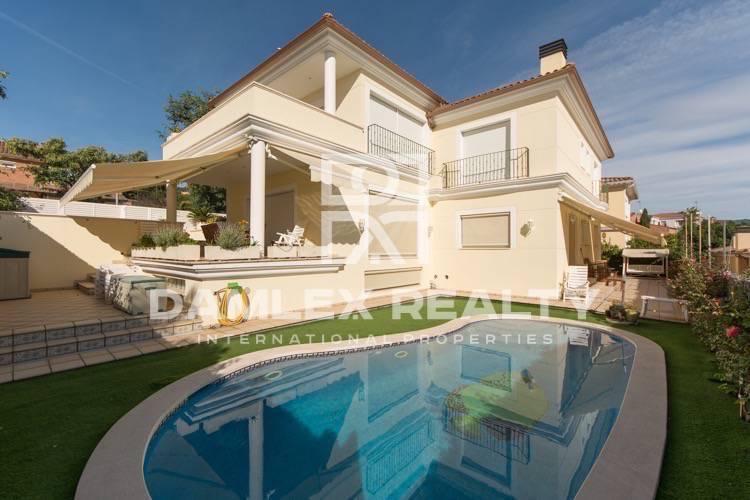 Haus zu verkaufen in Premia de Dalt, 4 schlafzimmer, Grundstücksgrösse 530 m2