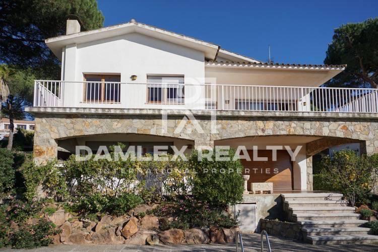 Haus zu verkaufen in Vilassar de Dalt, 7 schlafzimmer, Grundstücksgrösse 1252 m2