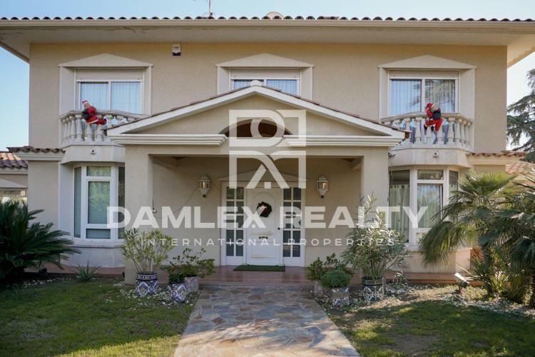 Haus zu verkaufen in Vilassar de Dalt, 8 schlafzimmer, Grundstücksgrösse 2000 m2