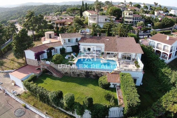 Haus zu verkaufen in Lloret de Mar, 5 schlafzimmer, Grundstücksgrösse 4200 m2