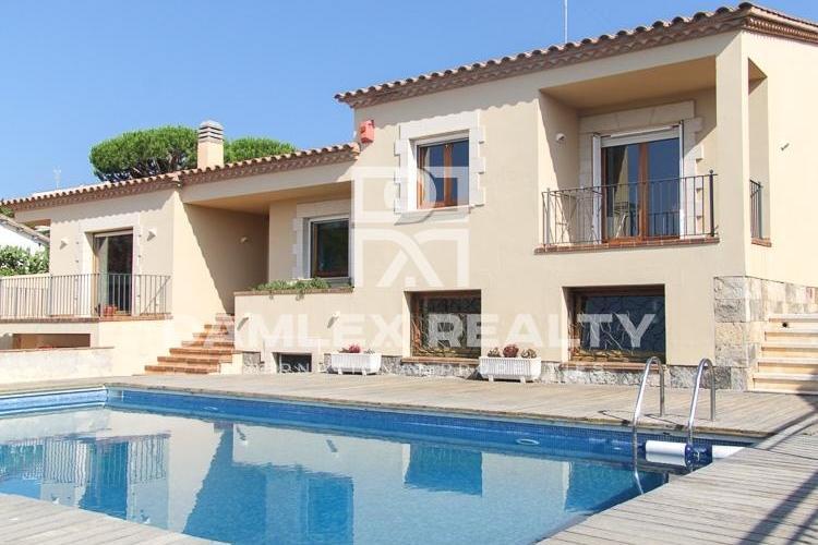 Haus zu verkaufen in Sant Feliu de Guixols, 5 schlafzimmer, Grundstücksgrösse 1000 m2