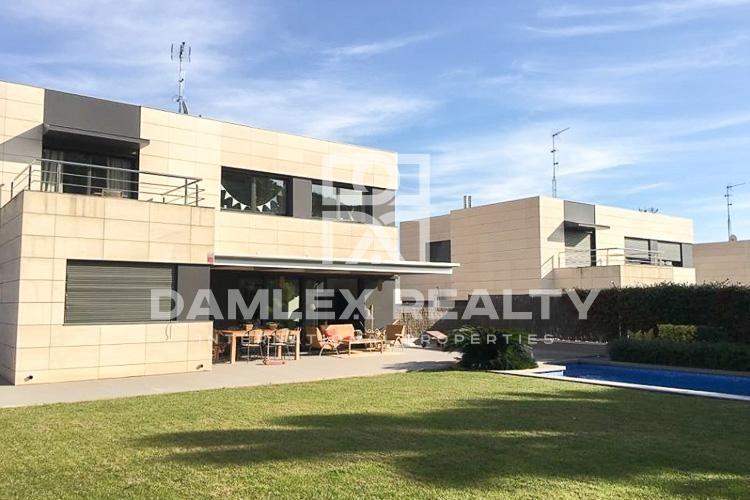 Haus zu verkaufen in Sant Andreu de Llavaneres, 5 schlafzimmer, Grundstücksgrösse 700 m2