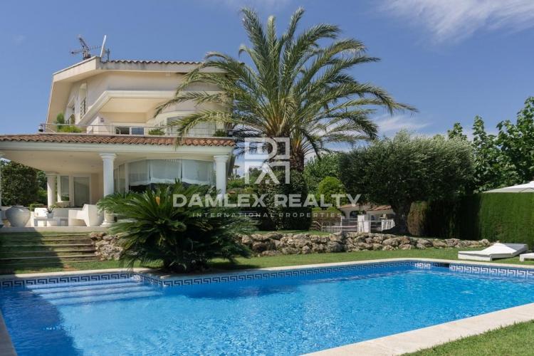 Haus zu verkaufen in Alella, 6 schlafzimmer, Grundstücksgrösse 842 m2