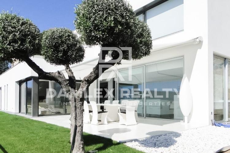 Haus zu verkaufen in Calonge, 5 schlafzimmer, Grundstücksgrösse 1250 m2