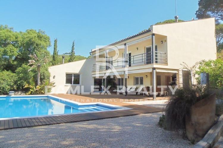 Haus zu verkaufen in Cabrils, 4 schlafzimmer, Grundstücksgrösse 3677 m2