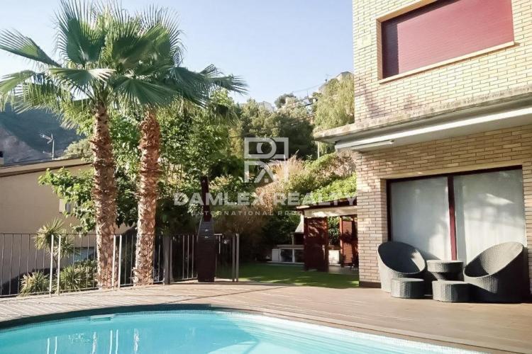 Haus zu verkaufen in Gava, 4 schlafzimmer, Grundstücksgrösse 455 m2