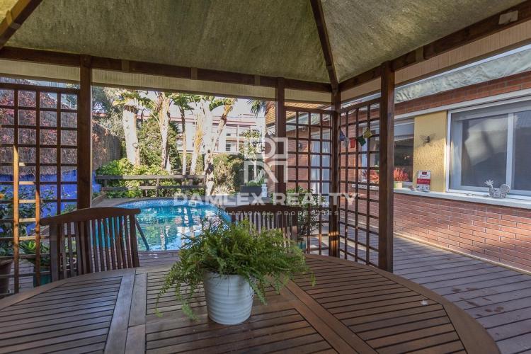 Haus zu verkaufen in Gava, 5 schlafzimmer, Grundstücksgrösse 230 m2