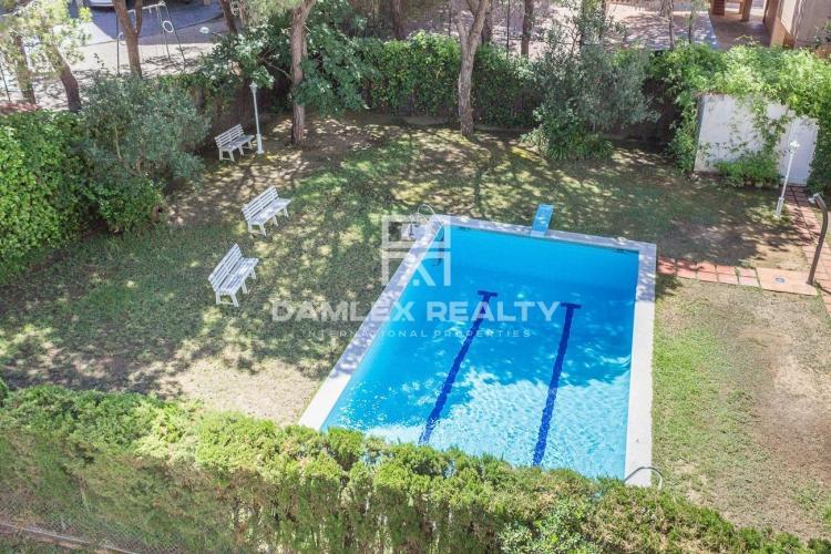 Haus zu verkaufen in Gava, 5 schlafzimmer, Grundstücksgrösse 370 m2