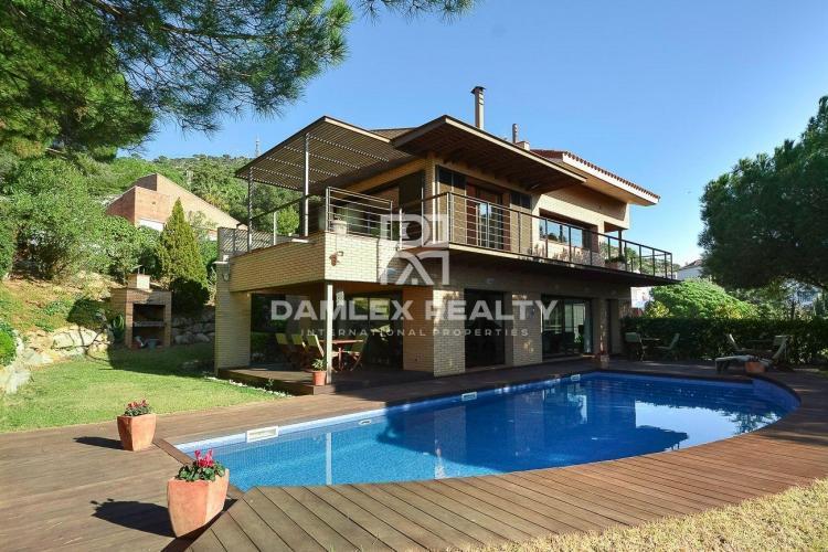Haus zu verkaufen in Cabrils, 4 schlafzimmer, Grundstücksgrösse 1529 m2