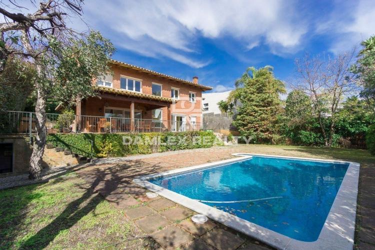 Haus zu verkaufen in Alella, 5 schlafzimmer, Grundstücksgrösse 750 m2