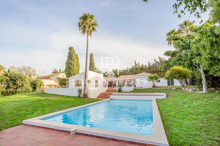 Renovated villa near the beach, Estepona