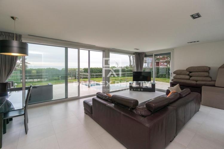Haus zu verkaufen in Gava, 6 schlafzimmer, Grundstücksgrösse 1200 m2