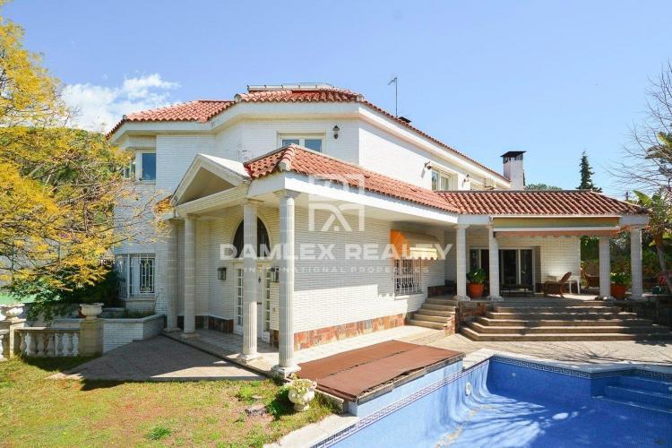 Haus zu verkaufen in Cabrils, 7 schlafzimmer, Grundstücksgrösse 1100 m2
