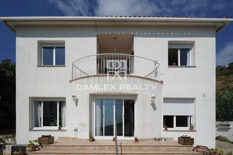 Haus zu verkaufen in Alella, 4 schlafzimmer, Grundstücksgrösse 800 m2
