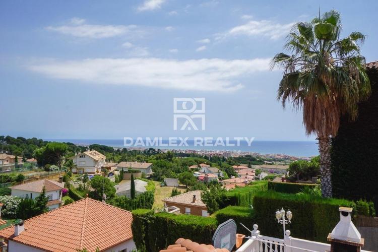 Haus zu verkaufen in Premia de Dalt, 5 schlafzimmer, Grundstücksgrösse 808 m2