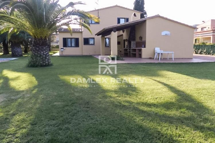 Haus zu verkaufen in Calella de Palafrugell, 4 schlafzimmer, Grundstücksgrösse 1600 m2