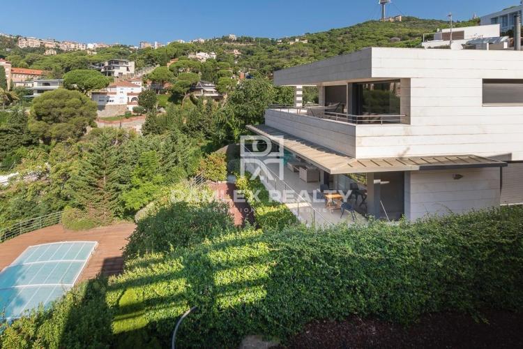 Haus zu verkaufen in Haus in Barcelona, 4 schlafzimmer, Grundstücksgrösse 949 m2