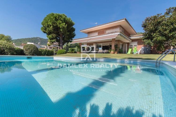 Haus zu verkaufen in Premia de Dalt, 5 schlafzimmer, Grundstücksgrösse 1706 m2
