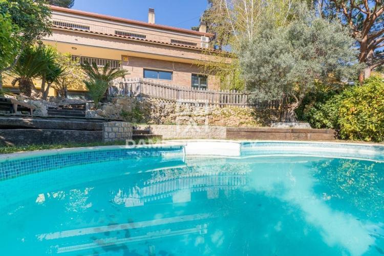 Haus zu verkaufen in Premia de Dalt, 5 schlafzimmer, Grundstücksgrösse 794 m2