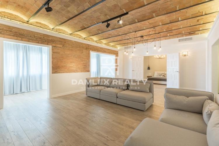 Wohnung, 4 schlafzimmer, zu verkaufen in Stadtzentrum von Barcelona, Wohnung in Barcelona