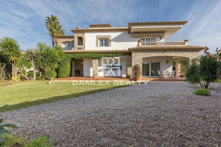 """Haus zu verkaufen in Platja d""""Aro, 4 schlafzimmer, Grundstücksgrösse 800 m2"""