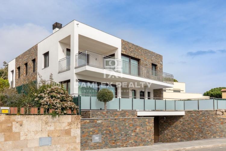Haus zu verkaufen in Sant Feliu de Guixols, 4 schlafzimmer, Grundstücksgrösse 600 m2