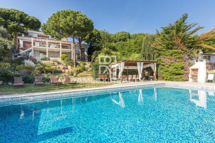 Haus zu verkaufen in Calonge, 9 schlafzimmer, Grundstücksgrösse 1400 m2