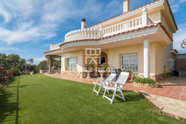 Haus zu verkaufen in Blanes, 6 schlafzimmer, Grundstücksgrösse 1200 m2